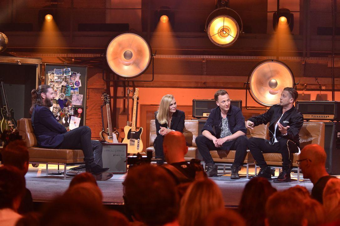 "Mit OneRepublic-Leadsänger Ryan Tedder (r.), Joris (2.v.r.), Silly-Sängerin Anna Loos (2.v.l.) und Klaas Heufer-Umlauf mixt Rea Garvey (l.) in ""Musi... - Bildquelle: Andre Kowalski ProSieben"