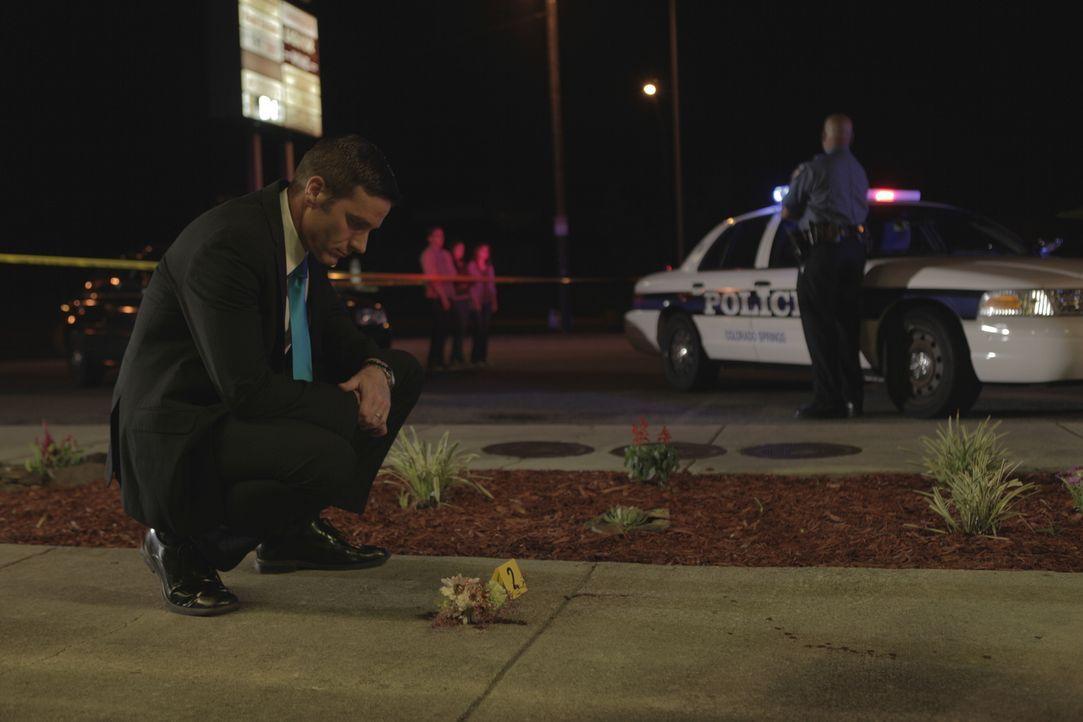 Nachdem Polizisten während ihres Streifendienstes einen Schuss gehört haben, entdecken sie an dem Tatort einen erschossenen Kollegen. Für Lt. Joe Ke... - Bildquelle: Jupiter Entertainment