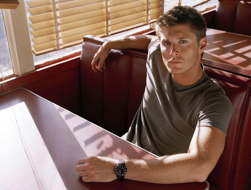 (1. Staffel) - Dean (Jensen Ackles) hat seinem Vater jahrelang bei der Klärung ungelöster Fälle geholfen, im Hinterkopf ständig den Tod seiner Mutte... - Bildquelle: Warner Bros. Television