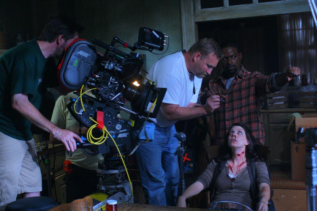 """Bei den Dreharbeiten zu """"Supernatural"""" ... - Bildquelle: Warner Bros. Television"""