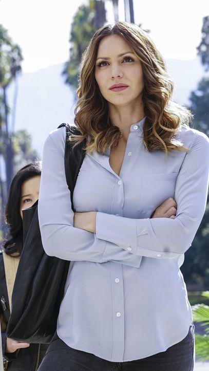 Gerade als Paige (Katharine McPhee) und das Team glauben, die Gefahr einer Massenvernichtungswaffe abgewendet zu haben, gerät alles aus den Fugen ... - Bildquelle: Monty Brinton 2015 CBS Broadcasting, Inc. All Rights Reserved.