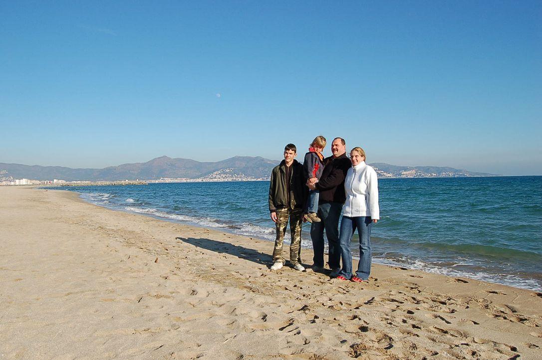 Familie Ziegler kann schon fast ein Jahr Auswandern nach Spanien feiern. Von Sachsenheim nach Spanien hieß der Traum des arbeitslosen Frank, seiner... - Bildquelle: kabel eins