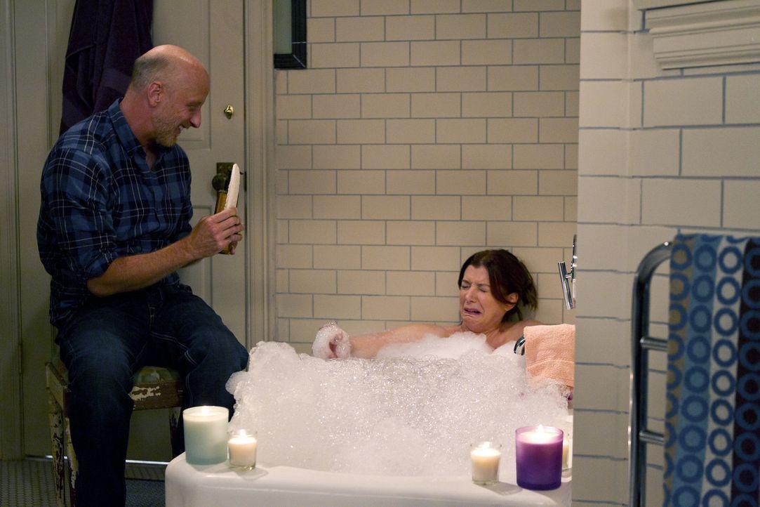 Nach und nach stellt Lily (Alyson Hannigan, r.) fest, dass Marshall sie an ihren Vater (Chris Elliott, l.) erinnert ... - Bildquelle: 20th Century Fox International Television