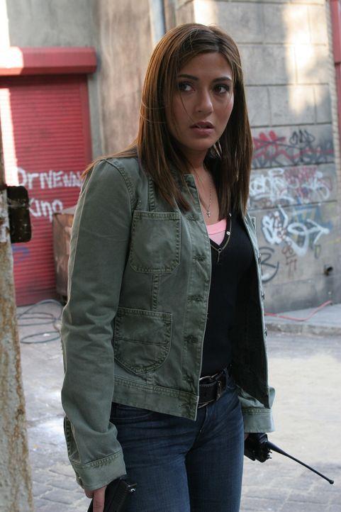 Auf der Suche nach der Wahrheit: Detective Karen Bettancourt (Marisol Nichols) - Bildquelle: TM &   2006 CBS Studios Inc. All Rights Reserved.