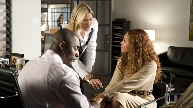 Die perfekte Familie: Vermögensverwalter Derek Charles (Idris Elba, l.), sein...
