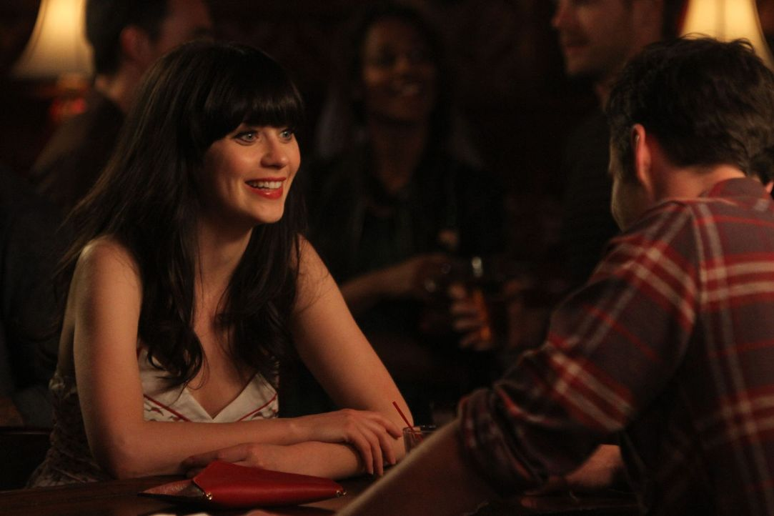Als Jess (Zooey Deschanel, l.) auf ihren Ex-Freund Paul trifft und Nick (Jake M. Johnson, r.) gleichzeitig auf seine Ex-Freundin Caroline, haben die... - Bildquelle: 20th Century Fox