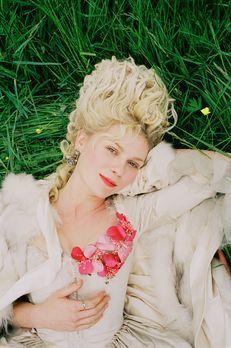 Marie Antoinette - Im zarten Alter von 14 Jahren ist für die behütete Marie A...