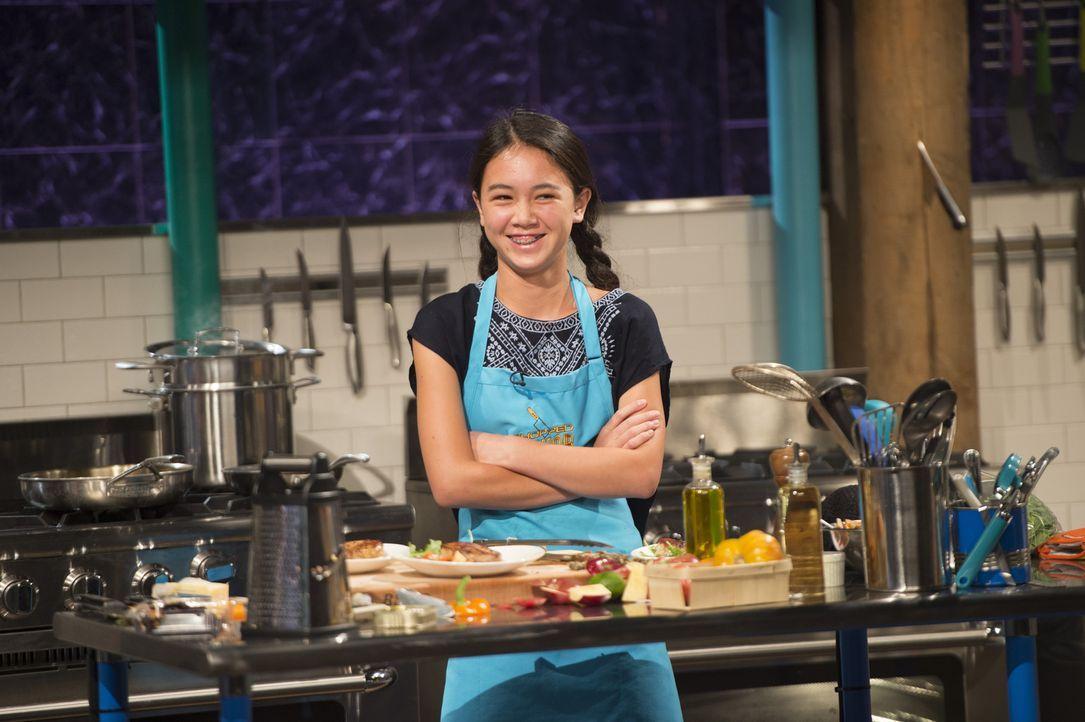 Die zwölfjährige Alexis liebt gesundes Essen und versucht, auch bei Chopped mit diesem Koch-Stil zu überzeugen. Wie wird es Sam Kass, Mark Murphy un... - Bildquelle: Scott Gries 2015, Television Food Network, G.P. All Rights Reserved