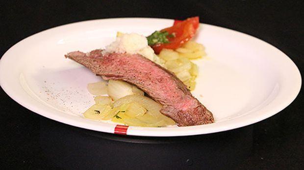 Stefans Flank Steak auf glasierten Thymian-Zwiebeln