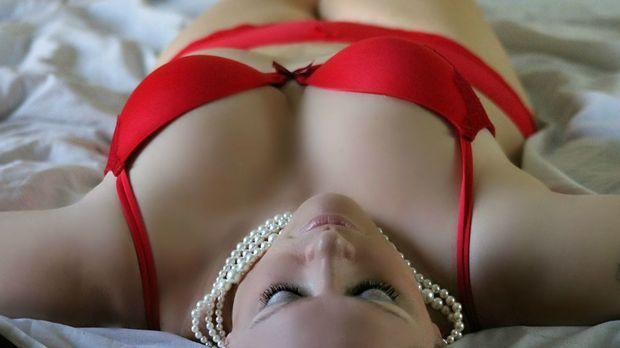 nackte männer und frauen in sex stellungen zusammen rasieren vor dem sex