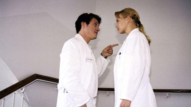 Klaus (Andreas Maria Schwaiger, l.) verärgert seine Ex-Freundin Mala (Florian...