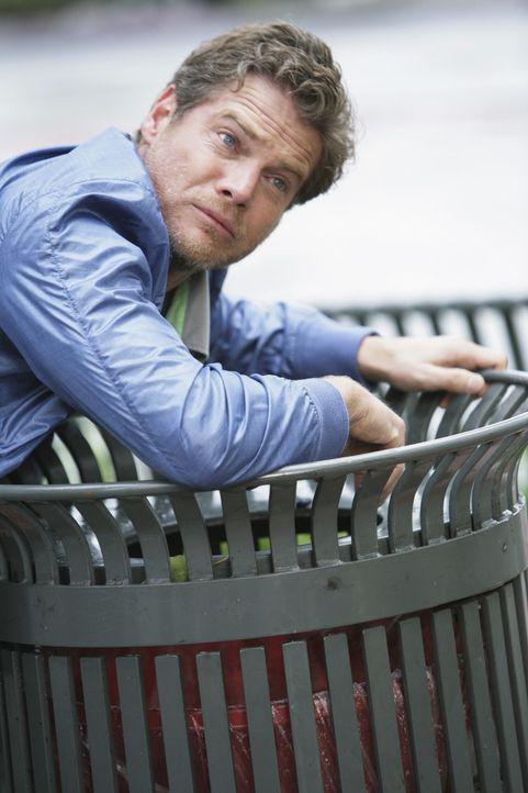 Bobby (Brian Van Holt) sollte sich wohl besser nicht mit weiblichen Angreifern anlegen, denn diese Niederlage bleibt nicht die letzte ... - Bildquelle: 2009 ABC INC.