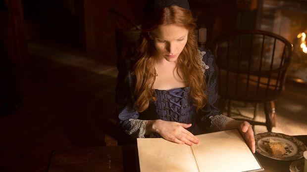 Anne (Tamzin Merchant) geht ihren Kräften mit Hilfe eines mysteriösen Buches...