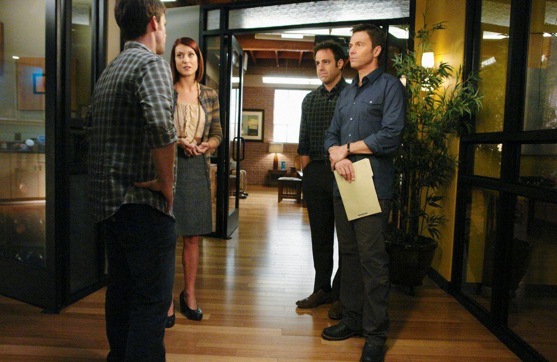 Ein tragischer Fall erschüttert die gesamte Praxis: Dell (Chris Lowell, l.), Addison (Kate Walsh, 2.v.l.), Cooper (Paul Adelstein, 2.v.r.) und Pete... - Bildquelle: ABC Studios