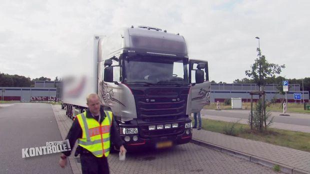 Achtung Kontrolle - Achtung Kontrolle! - Verkehrssündern Auf Der Spur - Lkw Kontrolle Lüneburg