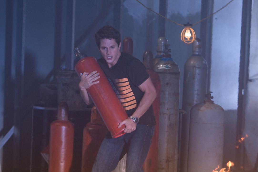 Versucht verzweifelt, das Schicksal zu verändern: Nick (Bobby Campo) ... - Bildquelle: MMVII New Line Productions, Inc.