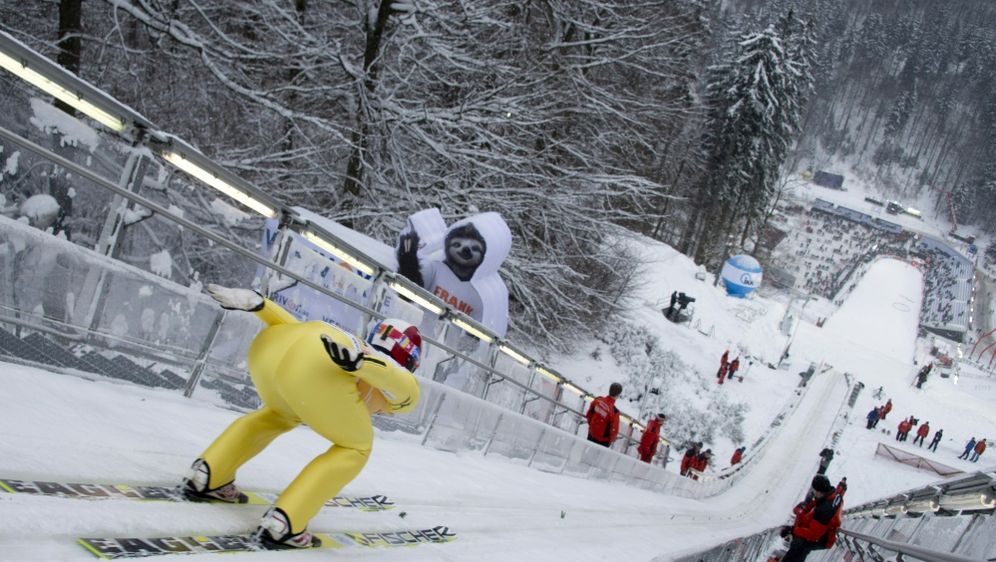 Skisprung-Weltcup in Willingen erwartet 50.000 Zuschauer - Bildquelle: AFPSID