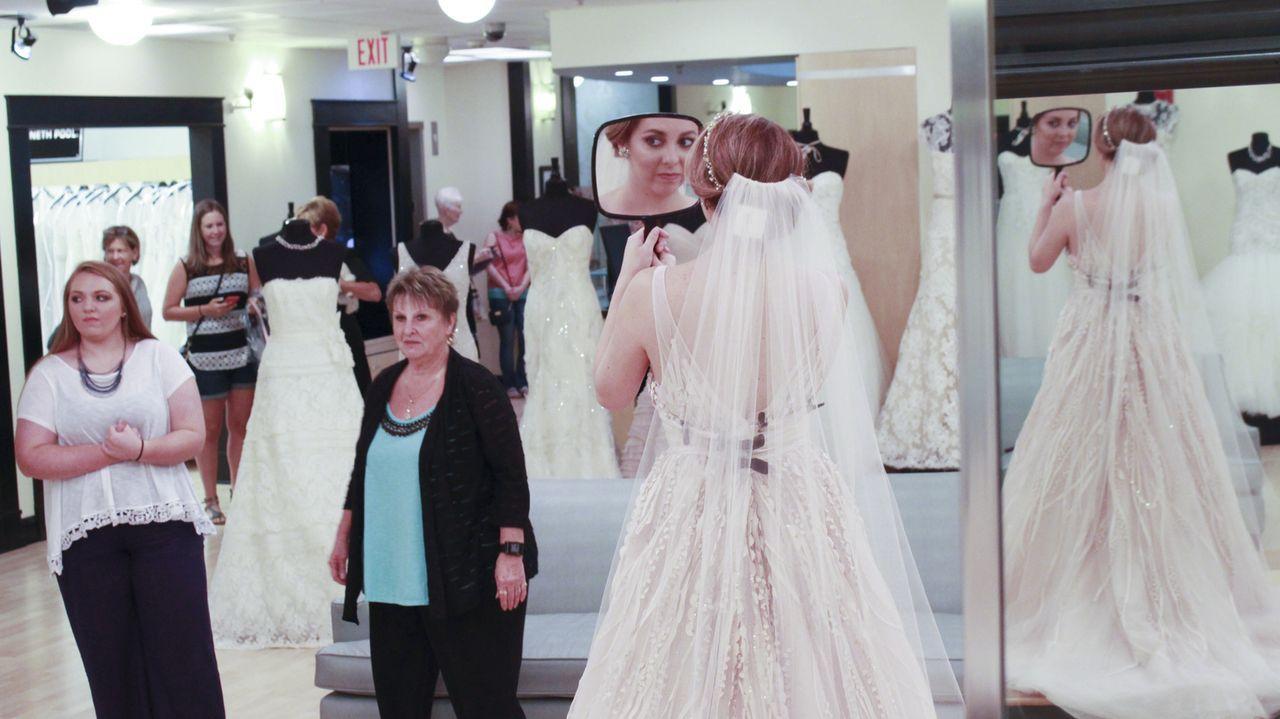 Findet Jessica (r.) ihr Traumkleid oder macht ihr ihre zukünftige Schwiegermutter einen Strich durch die Rechnung? - Bildquelle: TLC & Discovery Communications
