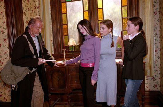 Charmed - Zauberhafte Hexen - Phoebe (Alyssa Milano, 2.v.r.), Paige (Rose McG...