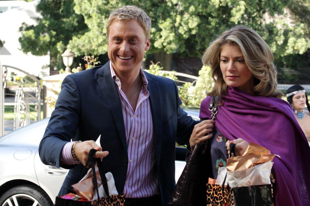 Ein Thankgiving der besonderen Art: Noah (Alan Tudyk, l.) und seine Ehefrau Jill (Gillian Vigman, r.) ... - Bildquelle: Warner Bros. Television