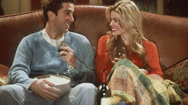 Monica hat Besuch von ihrer jungen und sehr hübschen Cousine Cassie (Denise R...