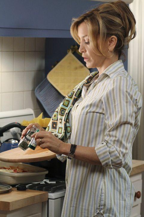 Während sich Susan mit der Konkurrenz anlegt, muss Lynette (Felicity Huffman) ansehen, wie Tom sich darauf vorbereitet, Marihuana zu konsumieren. Do... - Bildquelle: ABC Studios
