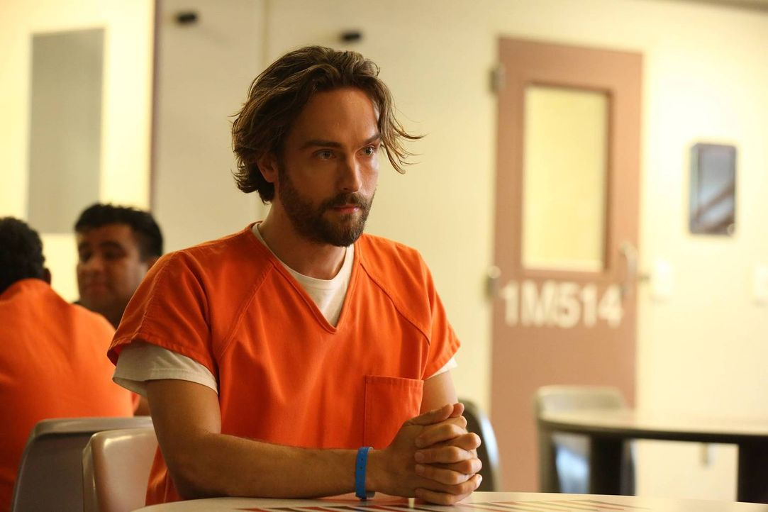 Was hat Crane (Tom Mison) getan, das ihn hinter Gittern gebracht hat? - Bildquelle: 2015-2016 Fox and its related entities.  All rights reserved.