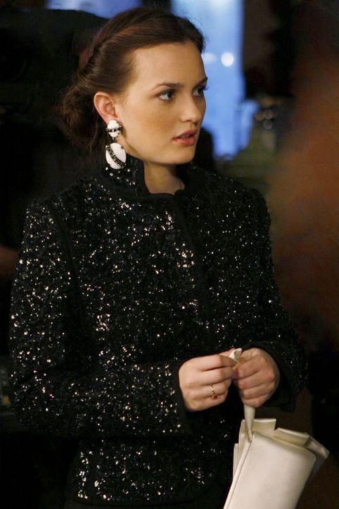 Blair (Leighton Meester) glaubt nicht, dass Chuck das Amulett nicht interessiert. - Bildquelle: Warner Brothers