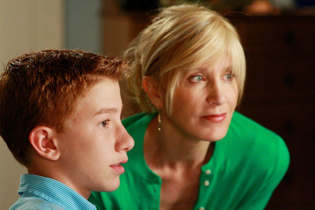 Lynette (Felicity Huffman, r.) macht sich Sorgen, ob Porter mit einem Jungen herumhängt, der kürzlich als Drogendealer entlarvt wurde. Durch Parker... - Bildquelle: ABC Studios
