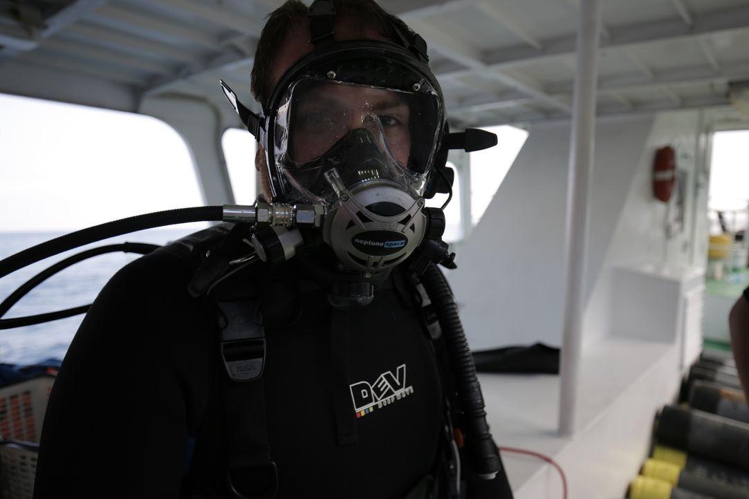 Josh Gates reist nach Japan, um dort nach einem Wasser-Phänomen, das auch als Atlantis Japans bezeichnet wird, zu suchen ... - Bildquelle: 2015,The Travel Channel, L.L.C. All Rights Reserved