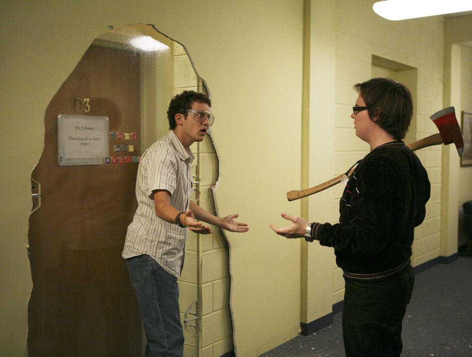Während Cappie und Rebecca mit den Folgen ihres Videos zurecht kommen müssen, versuchen sich Dale (Clark Duke, r.) und Rusty (Jacob Zachar, l.) an d... - Bildquelle: 2008 ABC Family