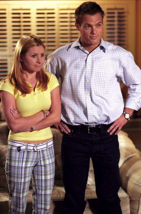 Finden sich von Anfang an sehr sympathisch: Lucy (Beverley Mitchell, l.) und Kevin (Geoff Stults, r.) ... - Bildquelle: The WB Television Network