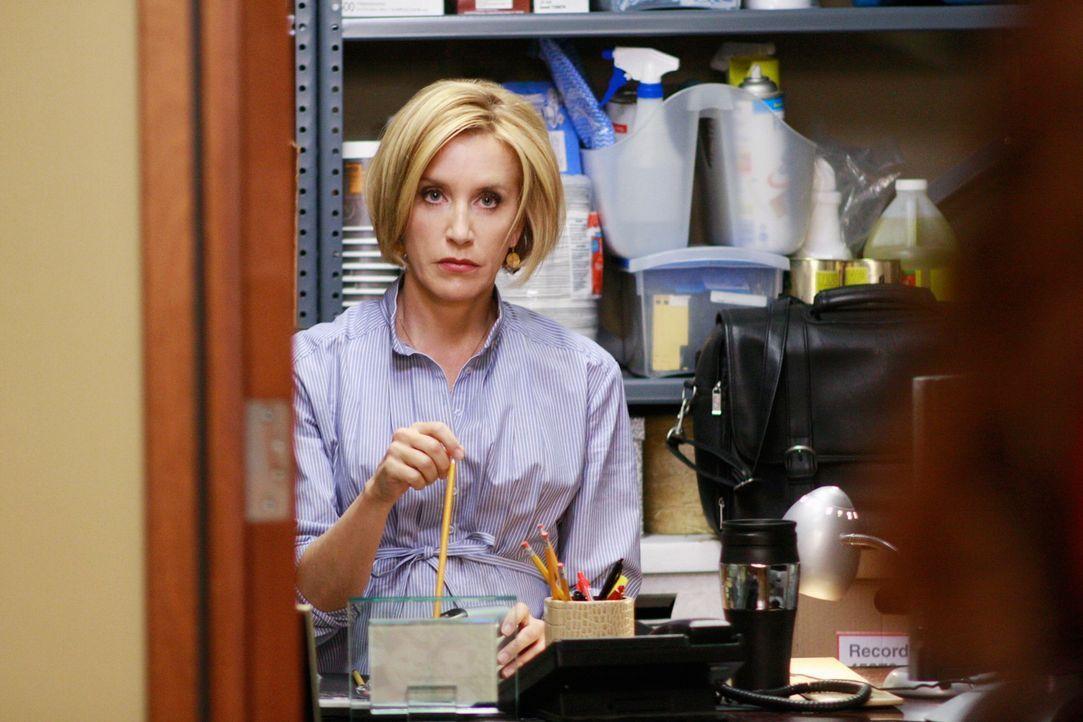 Schock: Carlos versetzt Lynette (Felicity Huffman), da sie nicht nach Florida will, in einen Abstellraum ... - Bildquelle: ABC Studios