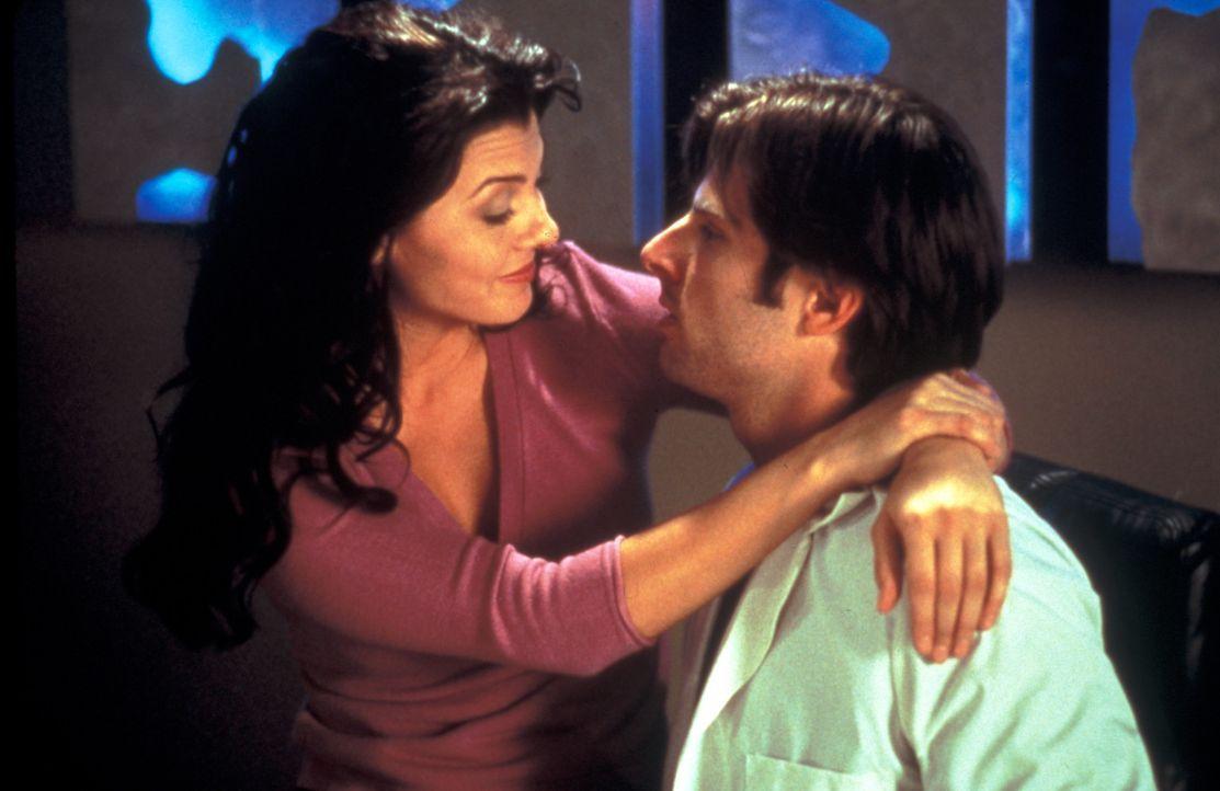 Endlich am Ziel seiner Wünsche: die echte Kate (Ali Landry, l.) und Max (James Roday, r.) ... - Bildquelle: Zide-Perry Productions