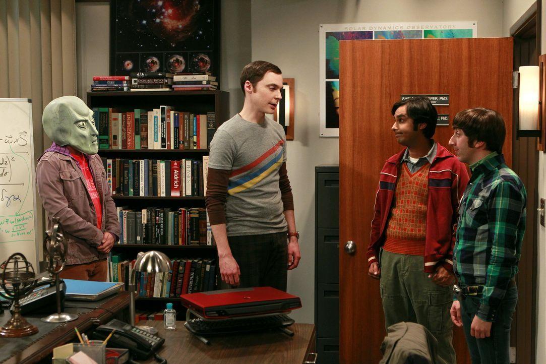 Gute Freunde: Howard (Simon Helberg, r.), Raj (Kunal Nayyar, 2.v.r.), Leonard (Johnny Galecki, l.) und Sheldon (Jim Parsons, 2.v.l.) ... - Bildquelle: Warner Bros. Television