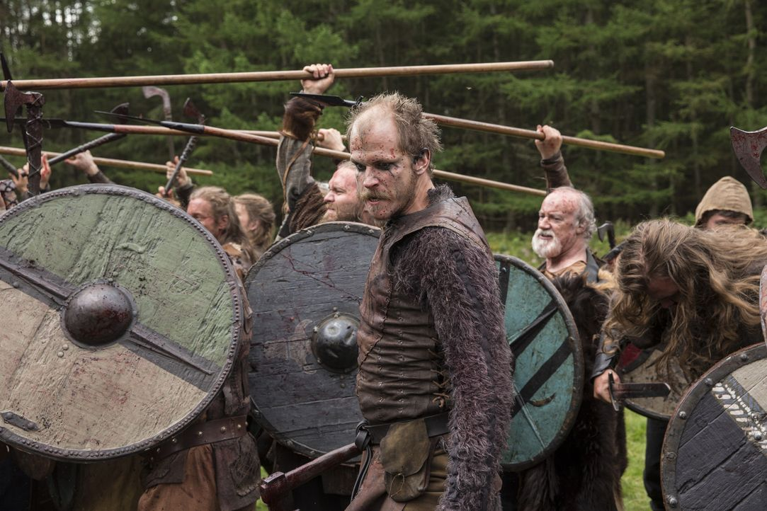 Im Kampf gegen Jarl Borg gibt Floki (Gustaf Skarsgård) alles ... - Bildquelle: 2014 TM TELEVISION PRODUCTIONS LIMITED/T5 VIKINGS PRODUCTIONS INC. ALL RIGHTS RESERVED.
