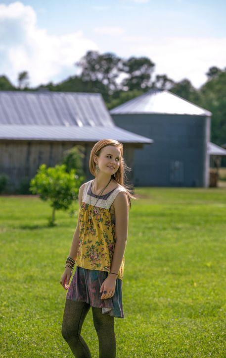 Während Linda zusammen mit Junior die Mörder von Rose suchen geht, möchte Norrie (Mackenzie Lintz) hinter das Geheimnis der Kuppel kommen ... - Bildquelle: 2013 CBS Broadcasting Inc. All Rights Reserved