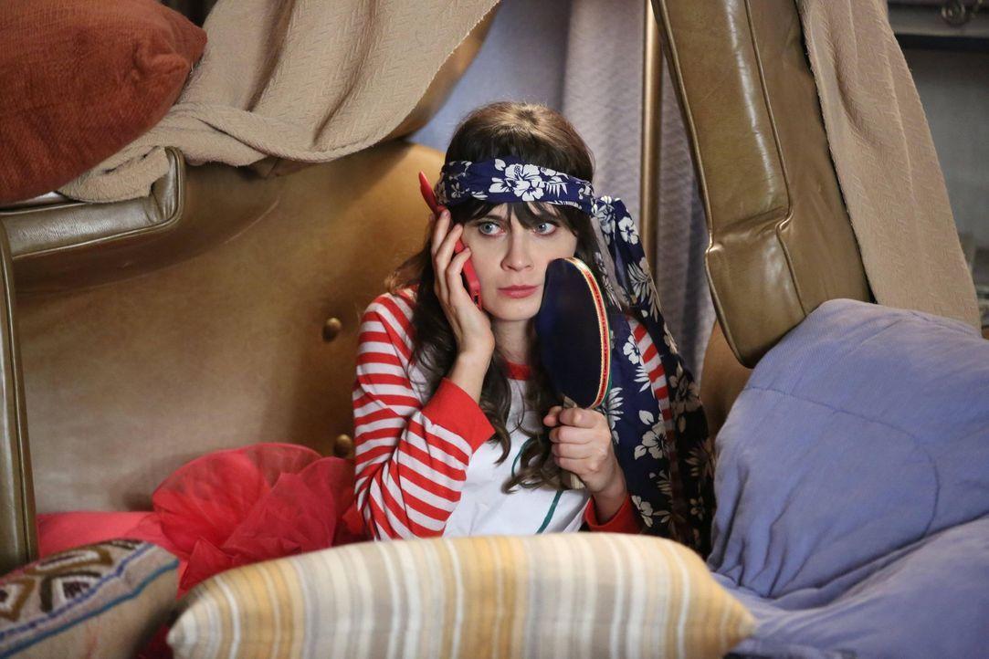Da die Jungs Frauen aufreißen wollen, darf Jess (Zooey Deschanel) nicht mit ihnen ausgehen und muss eine Nacht alleine im Loft verbringen ... - Bildquelle: 2012 Twentieth Century Fox Film Corporation. All rights reserved.