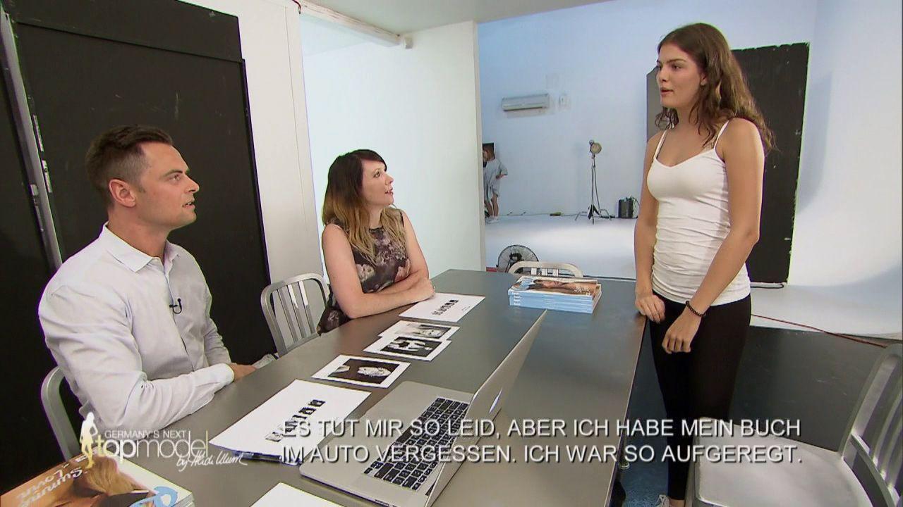 GNTM-Stf10-Epi09-Casting-Remix-Magazin-13-ProSieben - Bildquelle: ProSieben