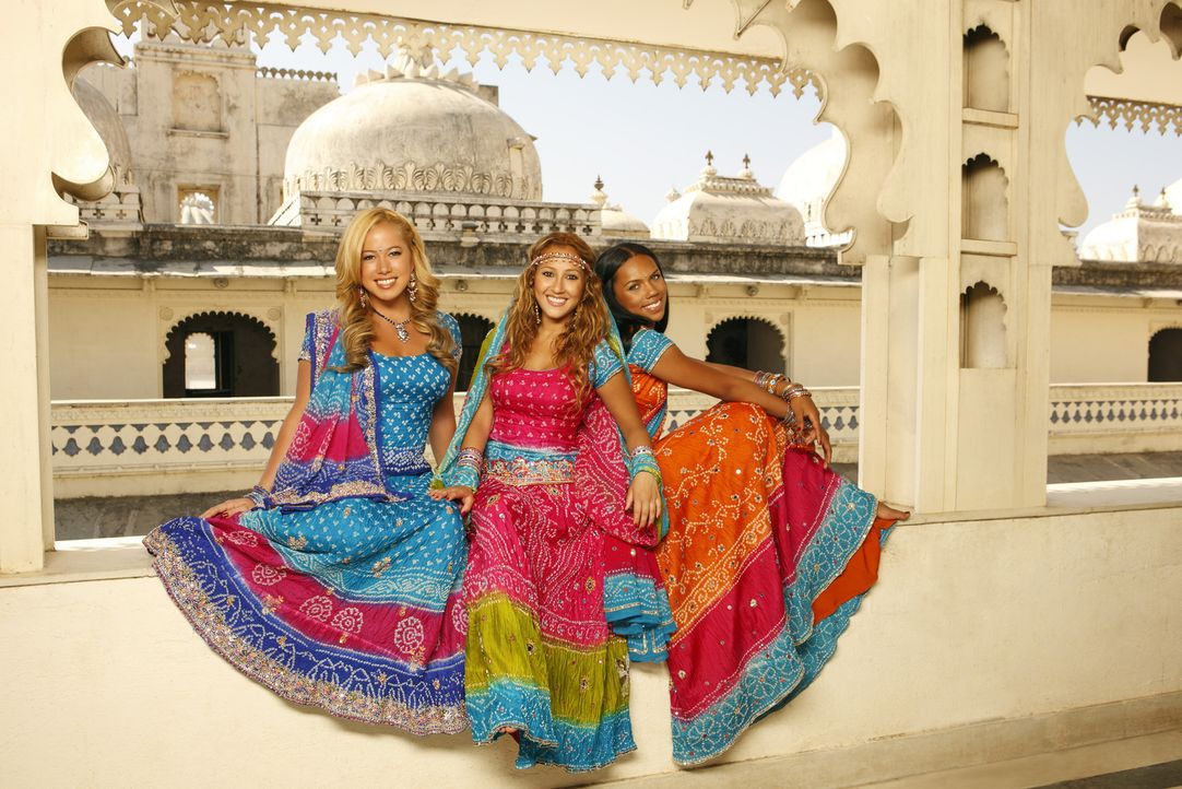 Hoffen auf internationalen Erfolg: die Cheetah Girls (v. l. n. r. Sabrina Bryan, Adrienne Bailon, Kiely Williams). - Bildquelle: Disney - ABC - ESPN Television