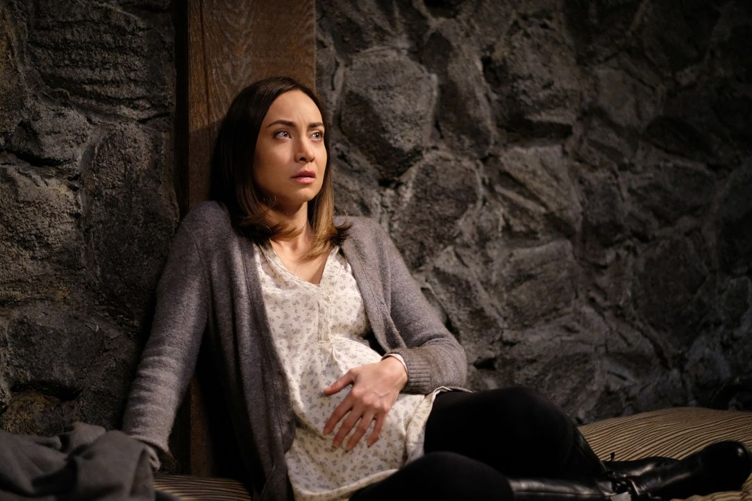 Kelly (Courtney Ford) - Bildquelle: Robert Falconer 2016 The CW Network, LLC. All Rights Reserved/Robert Falconer