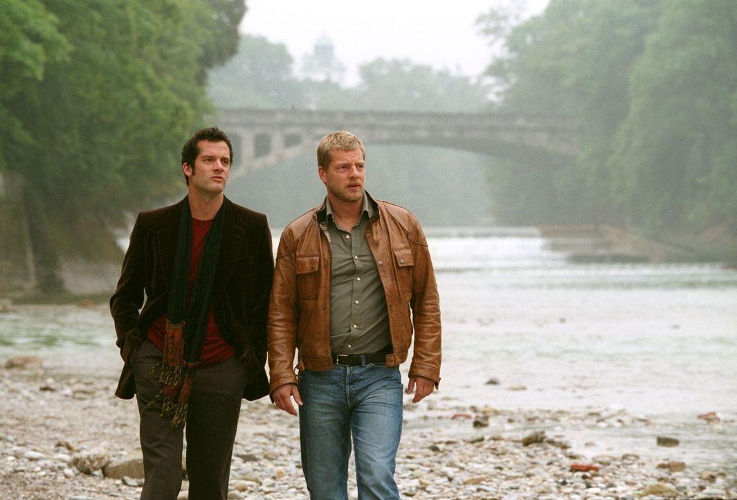 Leos (Henning Baum, r.) Ex-Freund Thorsten (Martin Rapold, l.) taucht wieder auf. Thorsten bereut die Trennung von Leo. - Bildquelle: Sat.1
