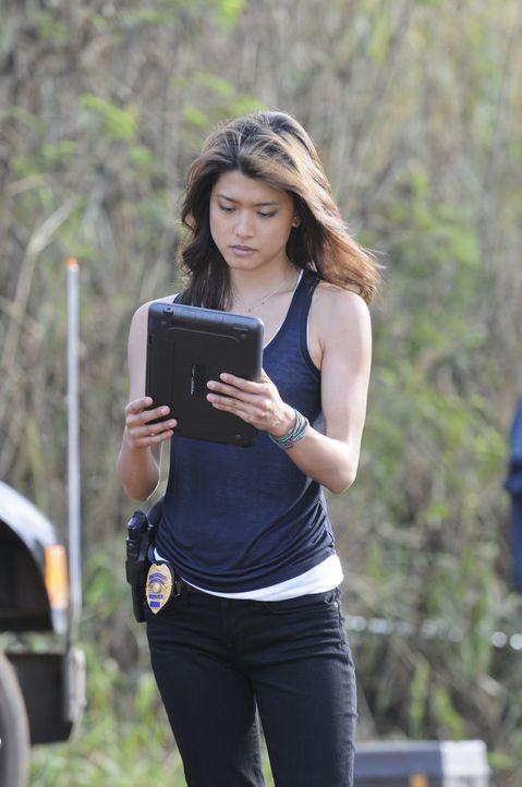 Als eine Frauenleiche in einem Ananasfeld gefunden wird, beginnen Kono (Grace Park) und ihre Kollegen sofort mit den Ermittlungen ... - Bildquelle: TM &   CBS Studios Inc. All Rights Reserved.