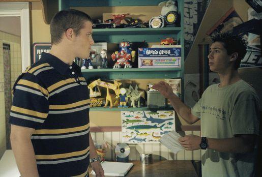 Malcolm mittendrin - Reese (Justin Berfield, r.) bekommt gleich gewaltigen Är...