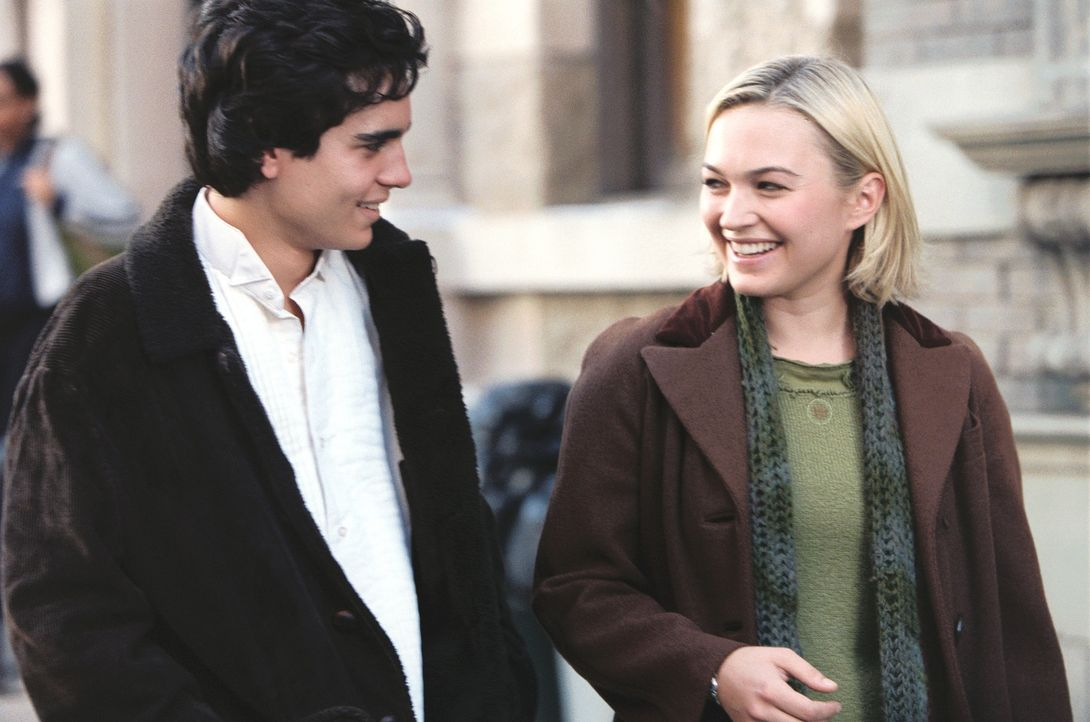 Plötzlich und völlig unerwartet ist die hübsche Audrey (Sophia Myles, r.) in Jeromes (Max Minghella, l.) leben getreten. Total in sie verliebt, h... - Bildquelle: 2005 United Artists Films Inc. and Columbia Pictures Industries, Inc. All Rights Reserved.