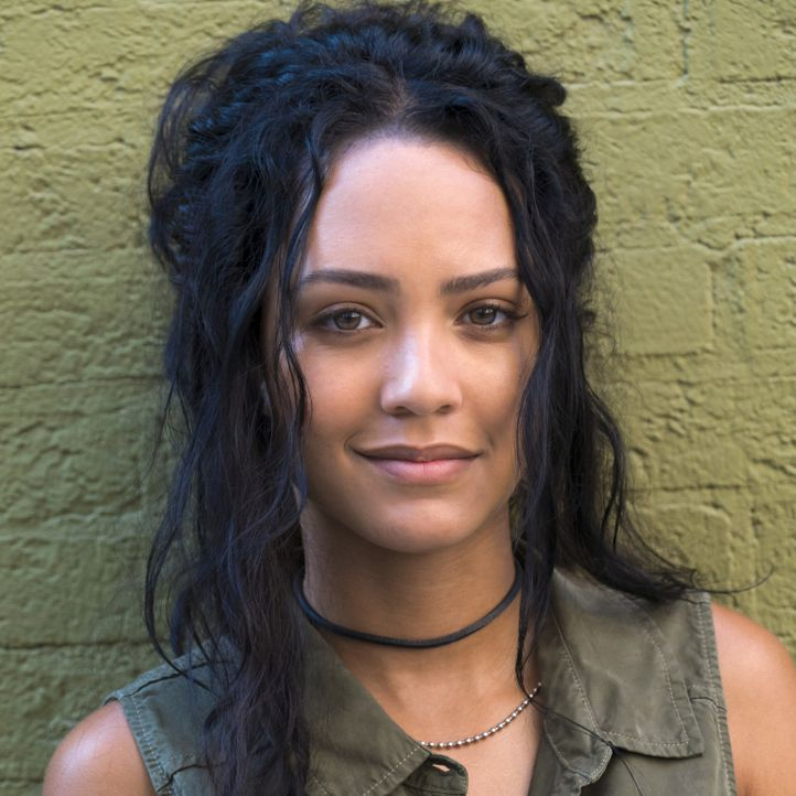 (1. Staffel) - Riley Davis (Tristin Mays) ist MacGyvers Kollegin wider Willen und eine höchst unberechenbare Hackerin mit krimineller Vergangenheit. - Bildquelle: Annette Brown 2016 CBS Broadcasting, Inc. All Rights Reserved