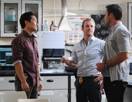 Ermitteln in einem neuen Mordfall: Steve (Alex O'Loughlin, r.), Danny (Scott...