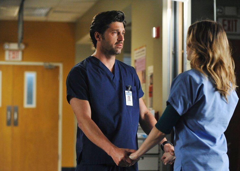 Während Cristina mitten in einer Operation unter dem posttraumatischen Stresssyndrom leidet, erfährt Derek (Patrick Dempsey, l.) nach Wochen von Mer... - Bildquelle: ABC Studios
