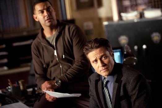 Castle - Javier Esposito (Jon Huertas, l.) und Kevin Ryan (Seamus Dever, r.)...