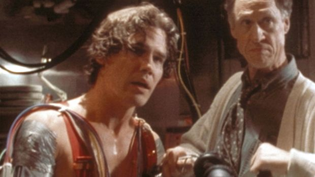 Jack (Josh Brolin, l.) und sein Informatik-Professor Wayne (Bruce French, r.)...